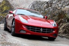 2013_ferrari_ff_with_ipad_dhwa6