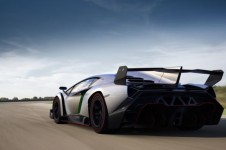 lamborghini_veneno_supercar_celebrates_the_bulls_50th_birthday_u1uch