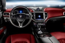 2014_maserati_ghibli_sports_sedan_interiors_28heu