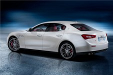 2014_maserati_ghibli_sports_sedan_rear_view_yh1ek